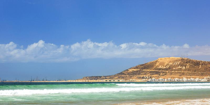 Berg von Agadir mit Strand